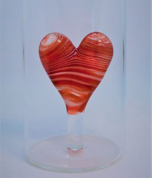 Herz aus Glas im Kölschglas, rot gestreift