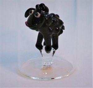 Domglas-Schnapsglas-Schaf-schwarz-detail