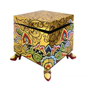 toms-drag-company-box-square-gold