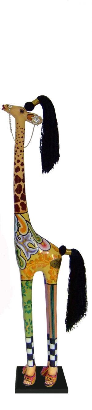 toms-drag-giraffe-carmen-s